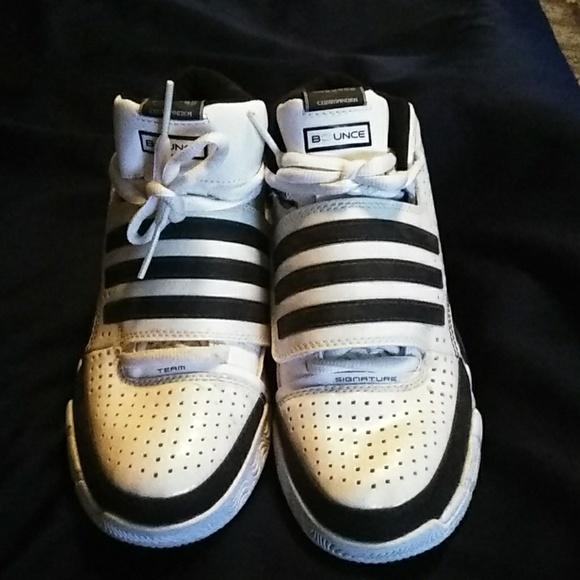 8518b7bd76a49 Like new pair of black   white adidas